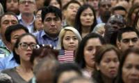 严格控制出国人口